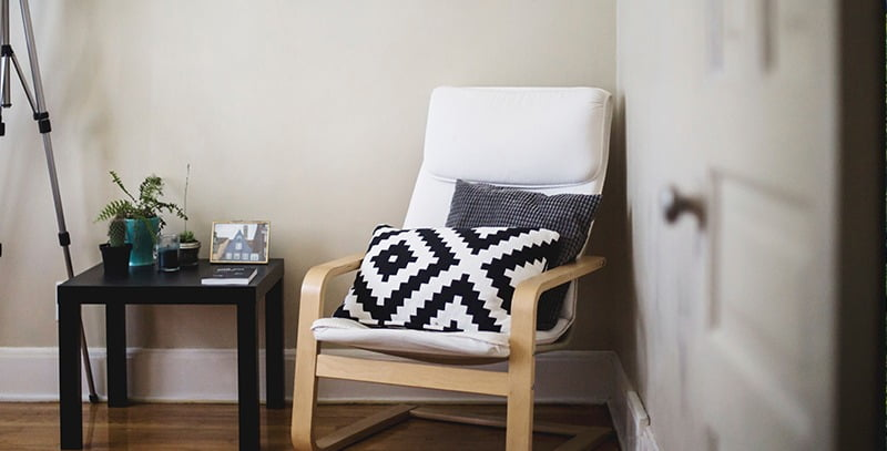 Chair in corner | Featured image for minimalist house design blog.
