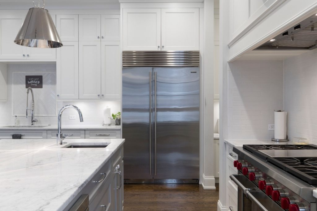 perfect kitchen triangle | blog featured iimage for Kitchen Design Tips for Your Kitchen Makeover