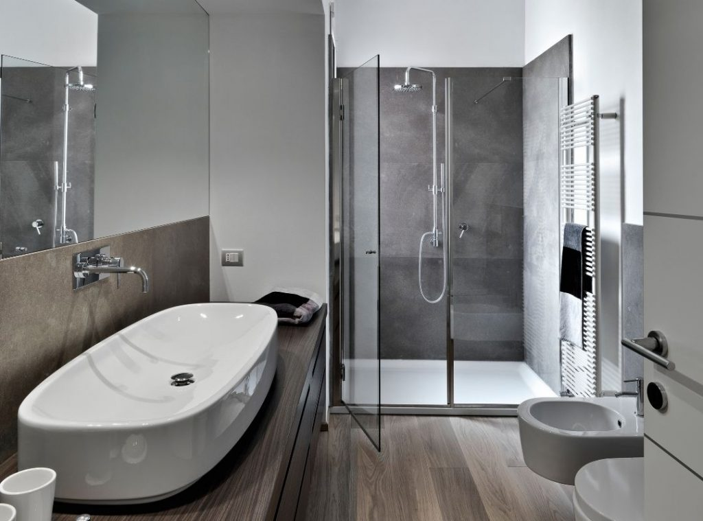 Image of a small bathroom | Featured image for bathroom renovation ideas | Blog